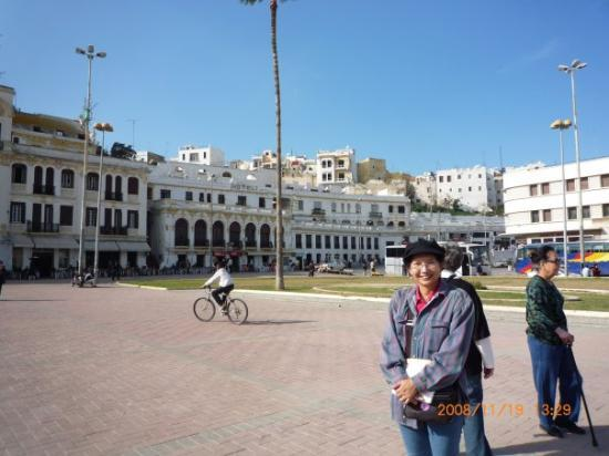 Tanger, Marokko: Buildings near port in Tangier, Morocco, Nov'08