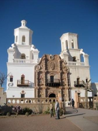 Tubac, Αριζόνα: St. Xavier's Mission - one of the oldest functioning spanish missions in the US.