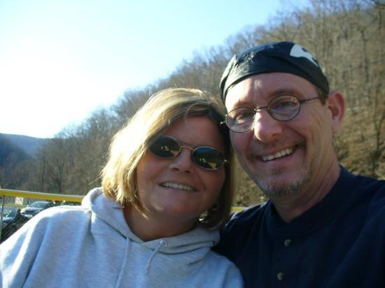 Wharton, Wirginia Zachodnia: We took some new pictures while waiting for my stepson to finish baseball practice.