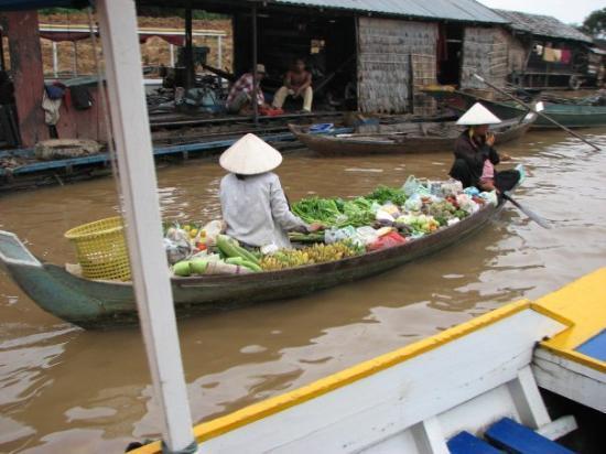 Chao Phraya River: Rio Moat Peam  Camboia