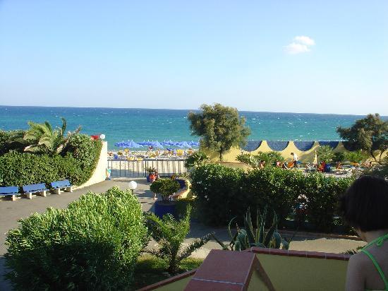 Magliacane, Italia: La spiaggia vista dal ristorante