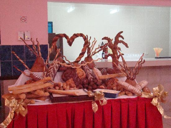 Hotel Roc Barlovento: Valentine's Day Breads