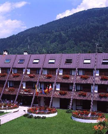 Centro Pineta Family Hotel & Wellness: Vista esterna estiva