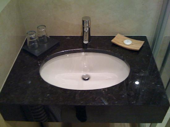 Europeum Hotel: Sink room 49