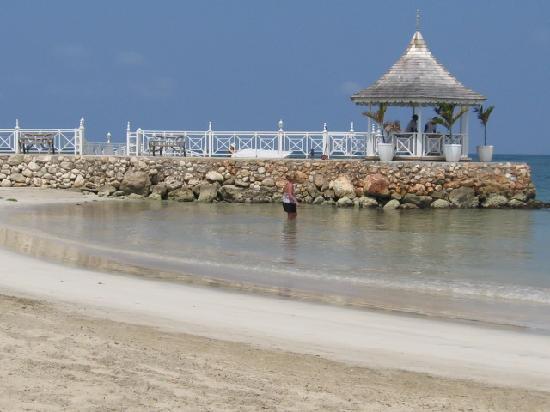 Royal Decameron Club Caribbean: view of jetty bar