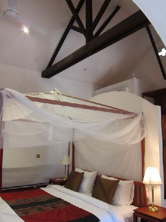 The BelleRive Boutique Hotel : High ceilings