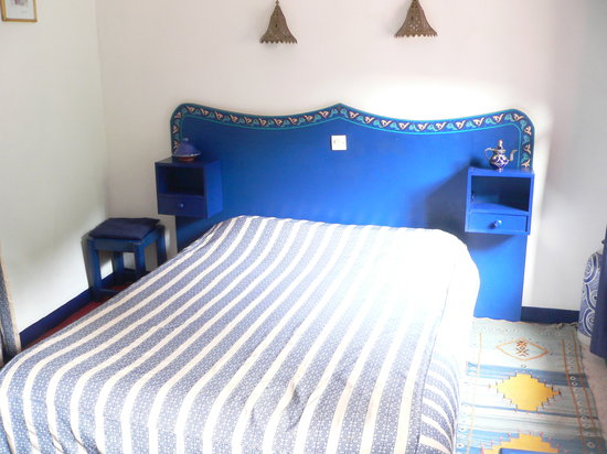 Oulmes, โมร็อกโก: LA CHAMBRE BLEUE