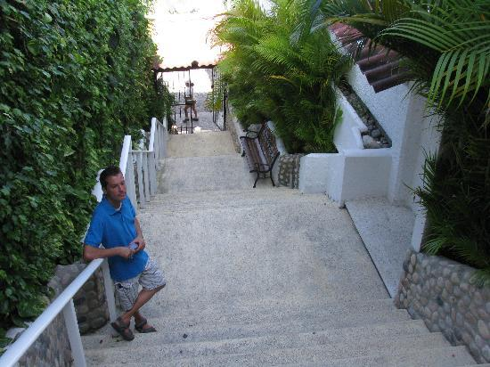 Boana Torre Malibu: Escalier menant vers la plage