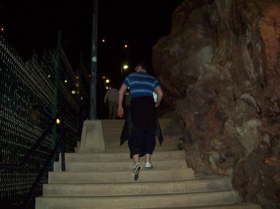 Hotel Solana: walking the stairs