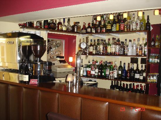 Carlo's Restaurant : Bar