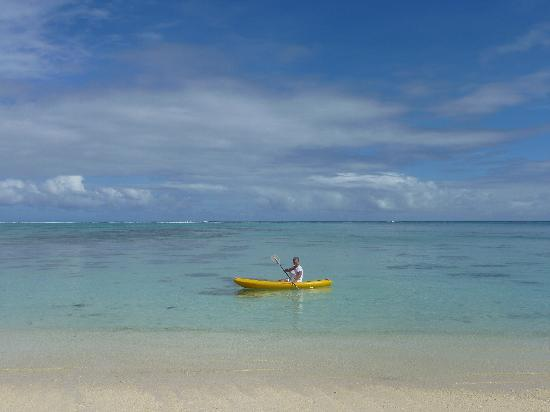 Kayaking in front of Etu Moana