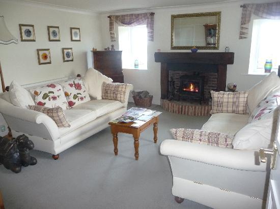 Scalby Hayes Bed & Breakfast: The lounge area