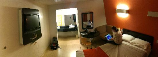 Motel 6 Austin Central - North: Panorama of our room. Awesome-funky redesign!