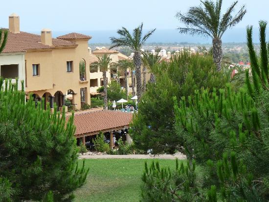 Pierre & Vacances Village Club Bonavista de Bonmont : Vue du balcon de l'appartement