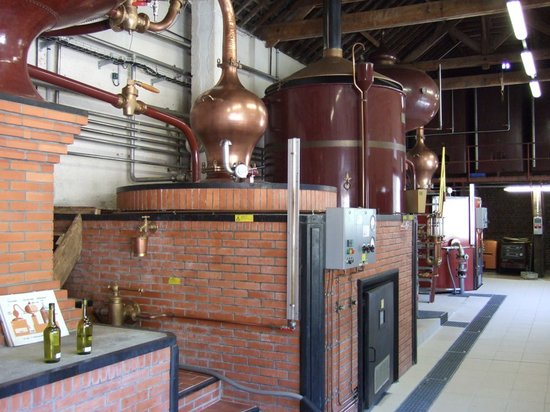 Livarot, Francia: photo de la salle de distillation