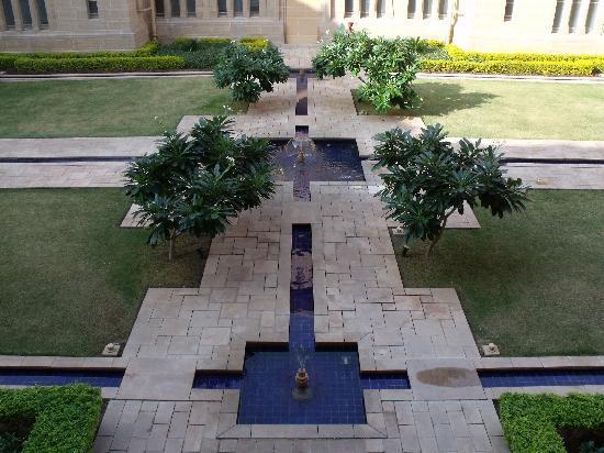 Umaid Bhawan Palace Jodhpur: Landscaping around the premises