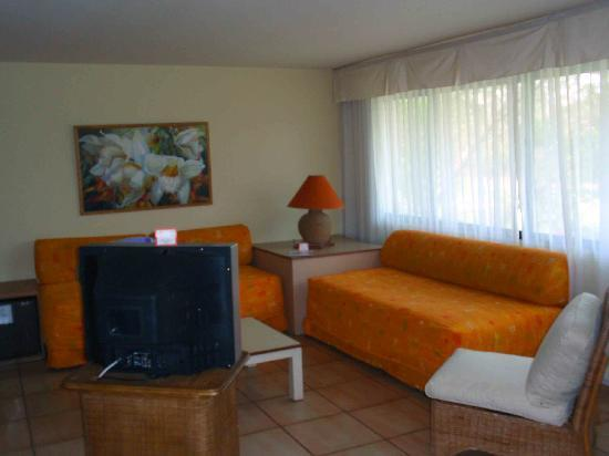 BlueBay Coronado Golf & Beach Resort: Room 216