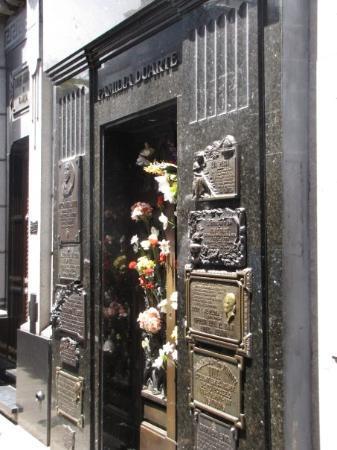 Cementerio de la Recoleta: The gravesite of the famous Eva  Peron and her family Duarte