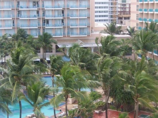 San Juan Marriott Resort & Stellaris Casino: The Mariott Resort right next to our condo