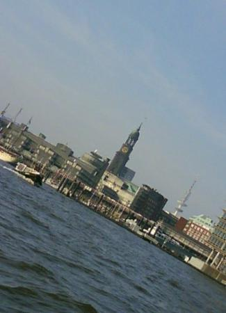 Port of Hamburg: Hamburg Skyline..