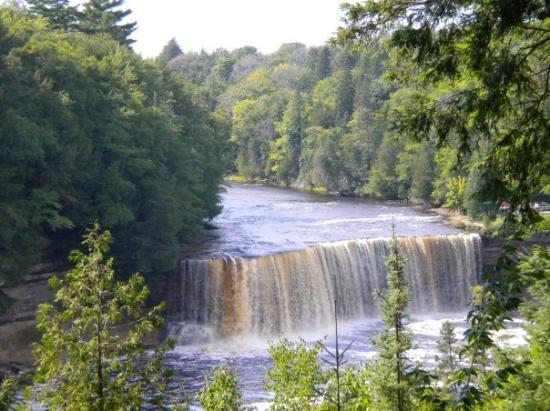 Tahquamenon falls state park michigan pictures to pin on Cabins near tahquamenon falls