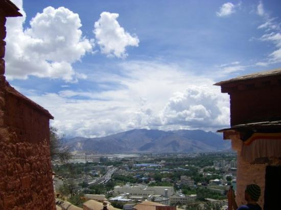 Lhasa, Kina: View from the Potala