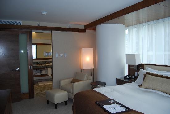 Fairmont Pacific Rim: Suite master bath
