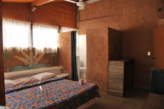 Hotel El Pirata: surfer`s room