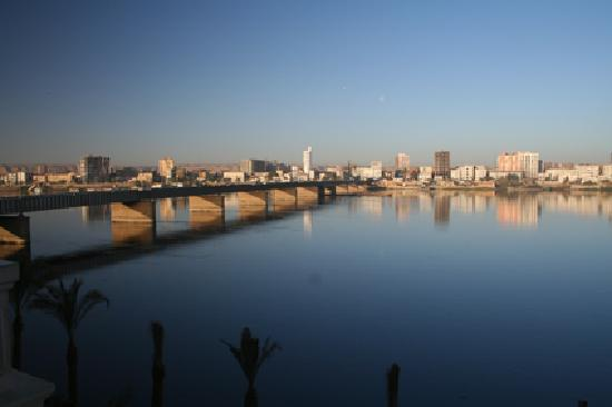 Sohag, Egito: Another view of the Nile from lift foyer on our floor