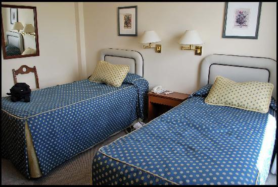 Hotel Iruna Mar del Plata: Sommieres angostos