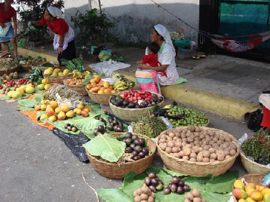 Royal Decameron Salinitas: A market in El Salvador