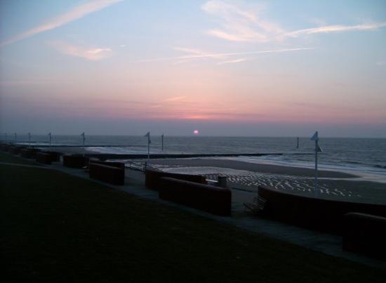 Norderney, Germania: Das ist mal ein Sonnenuntergang.... :)