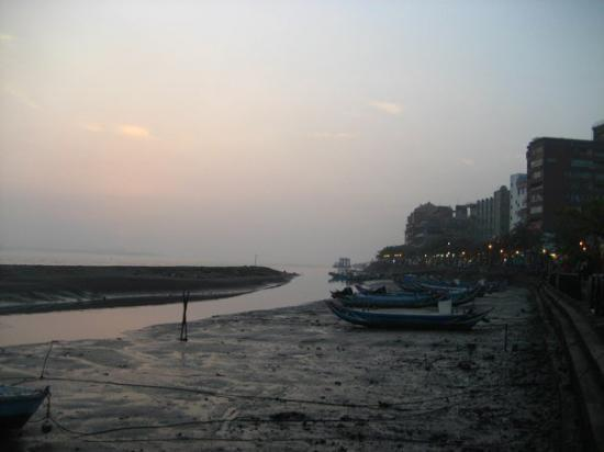 Danshuei: DanShui, the northern part of Taipei that's at the mouth of the river and the ocean. It was beau