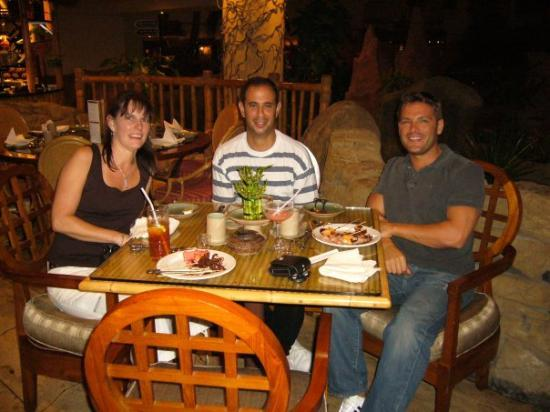 Fujairah, De forente arabiske emirater: Me, Frank and Chris in Dubai at JW Marriott