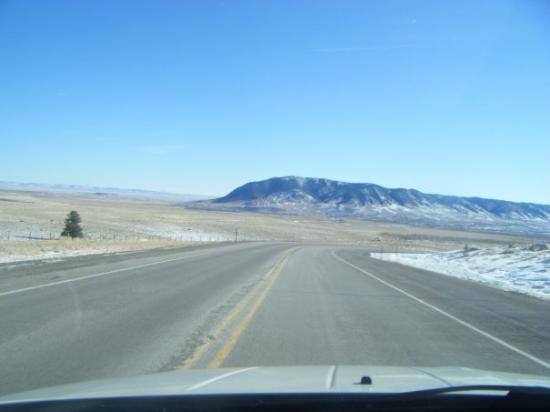 Centennial, Вайоминг: Heading ouit of the Snowy Mountain Range to the High Plains of Wyoming.