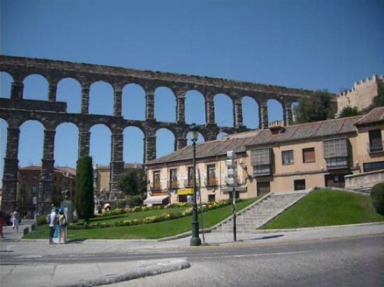 Bilde fra Akvedukten i Segovia