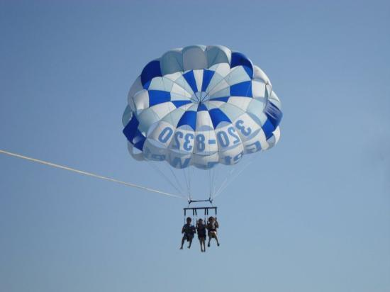 Foto de Fly-N-High Waverunners and Parasail
