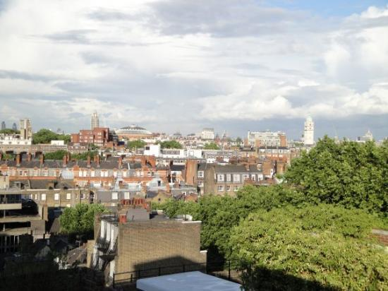 ลอนดอน, แคนาดา: London Skyline view from Babylon restaurant on High Street Kensington.