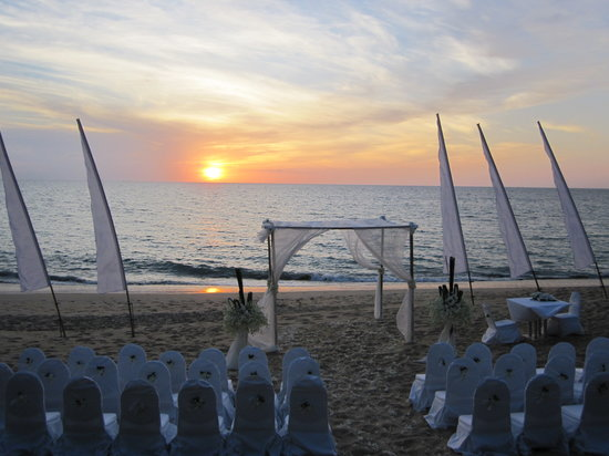 Mai Khao, Thailand: wedding set up