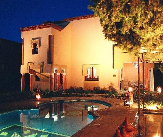 Villa Aalma: le soir sa change