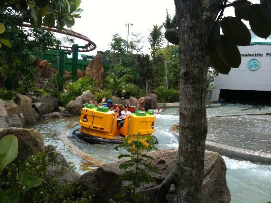 The 'Water' ride (where you get soaked) - Picture of ...