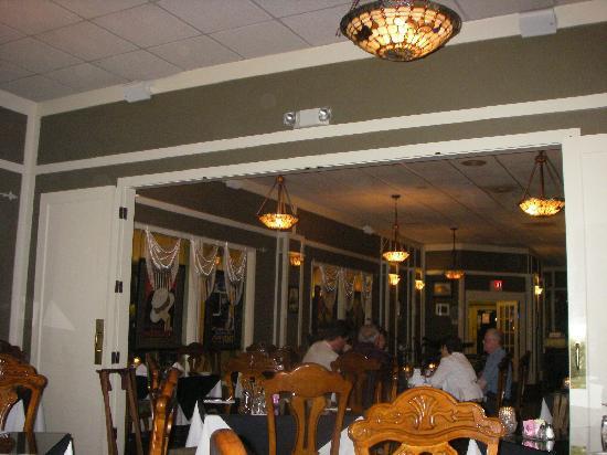 Hotel DeFuniak: Bogey's