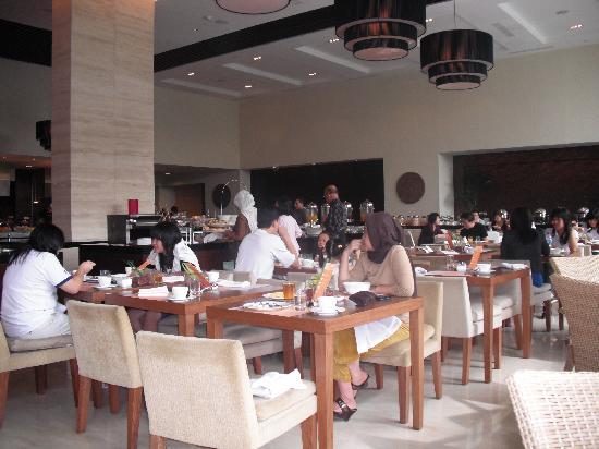 Hilton Bandung: Main Restaurant