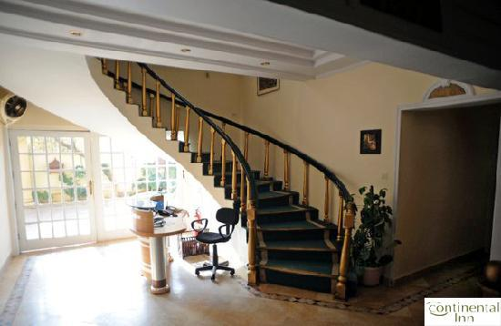 Continental Inn Islamabad: Reception, Stairs & Entrance