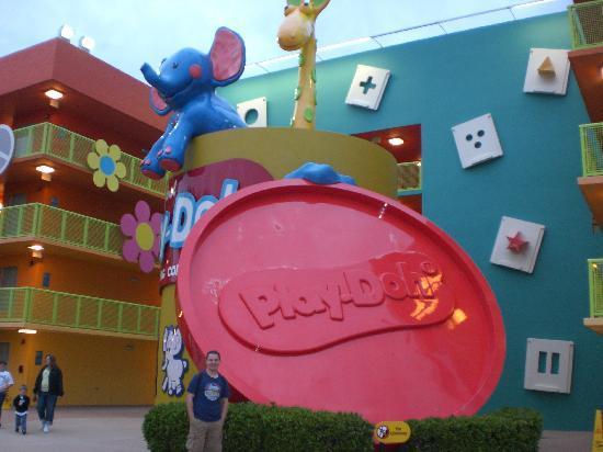 Disney's Pop Century Resort: CUTE statues....