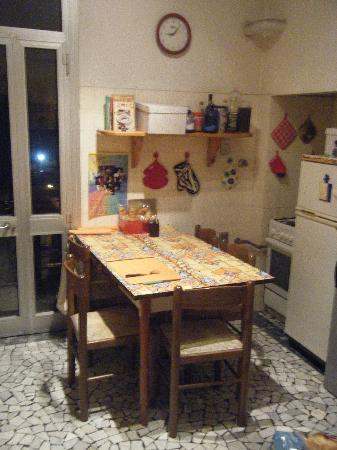 A Casa Di Chiara: Cosy Kitchen