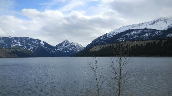 Wallowa Lake Resort: Spring-time overcast, over Wallowa Lake