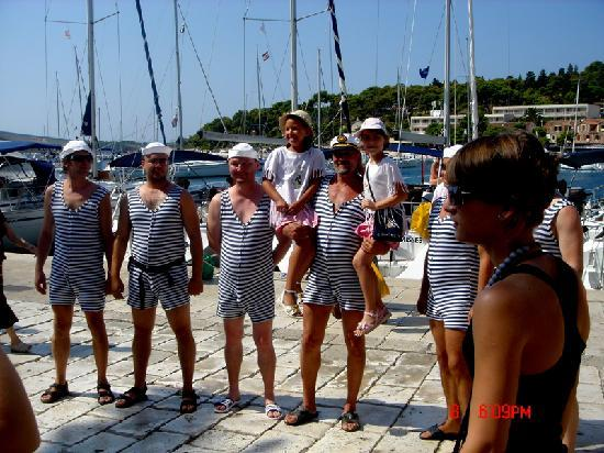 Bocin Apartments: Local entertainment  sailors in Hvar Town