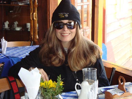 Hotel Cumbres Puerto Varas: Cafeteria en volcan Osorno.
