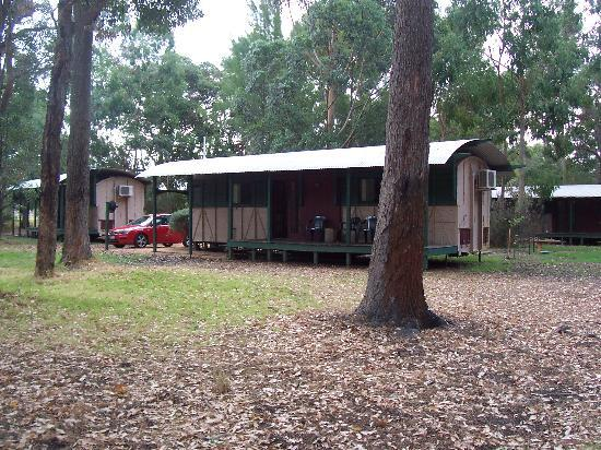 Dunsborough Rail Carriages & Farm Cottages: a peaceful setting in the bush